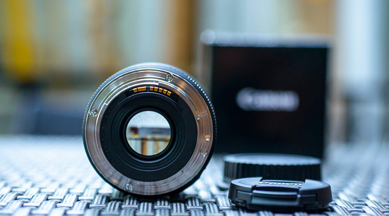 Canon 50mm Lenses - Pros & Cons of All Models - InitTime